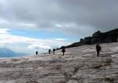 Пресичане на ледника под хижа Бетлеми