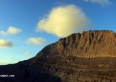 21.09 - първите сутрешни лъчи огряват връх Стефани. През този ден ни предстои да го изкачим, както и първенеца на Олимп - връх Митикас, и след това да се спуснем до морето за вечерно топване... Изпълнено:)