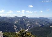 Гледката от Белинташ към село Мостово и Кръстова гора