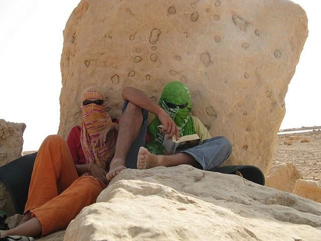 Сенчесто място за почивка сред пустинята