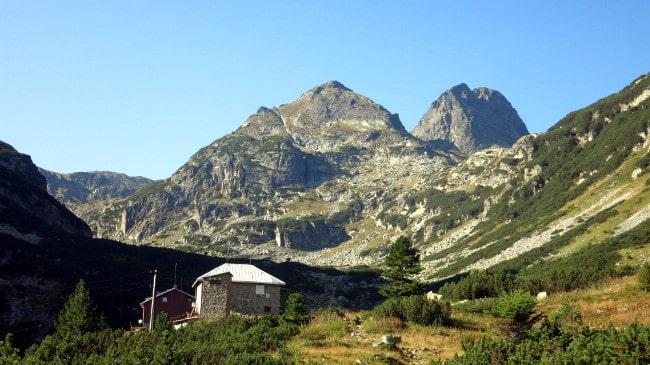 Malyovitsa Hut, Malka (Small) Malyovitsa and Malyovitsa peaks