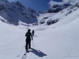 Придвижване със ски в планината
