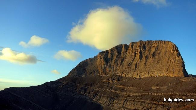 Sunrise over Mount Stefani