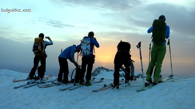 Първо спускане към Попово езеро по изгрев, за да избегнем очакваното разваляне на времето
