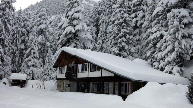 Skakavitsa Hut