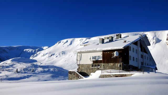 Rila Lakes Hut