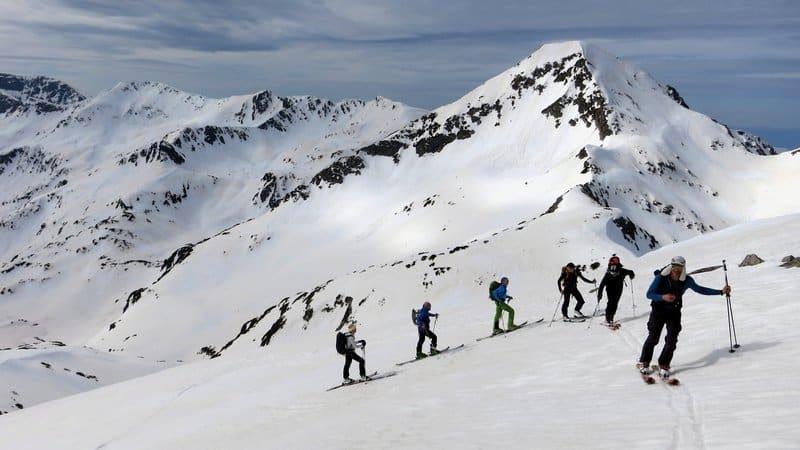 Ski touring Hvoynati Peak