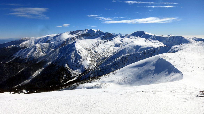 Връх Пирин със снегоходки